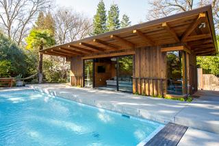 Glen Court Pool House